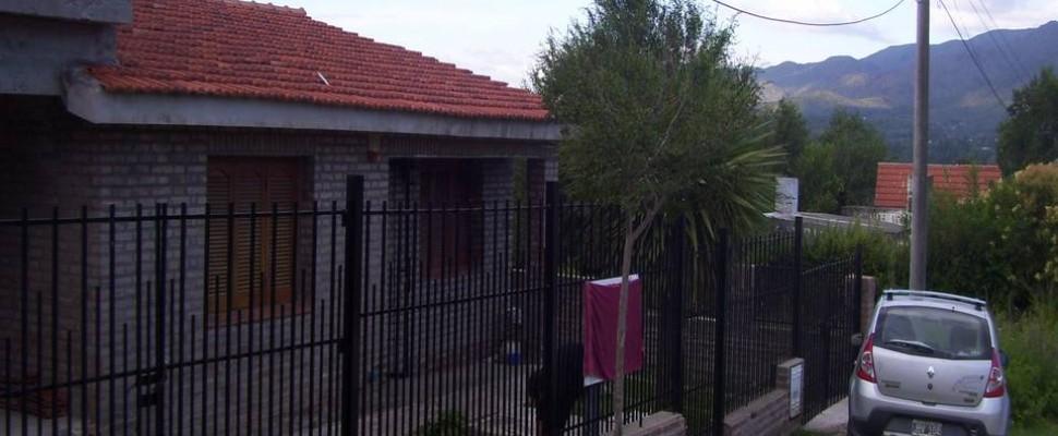Casa más Departamento en Planta Alta a Terminar Bº Retiro Betania La Falda